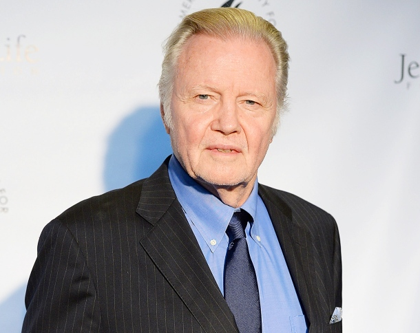 1405356855_450315006_jon-voight-zoom